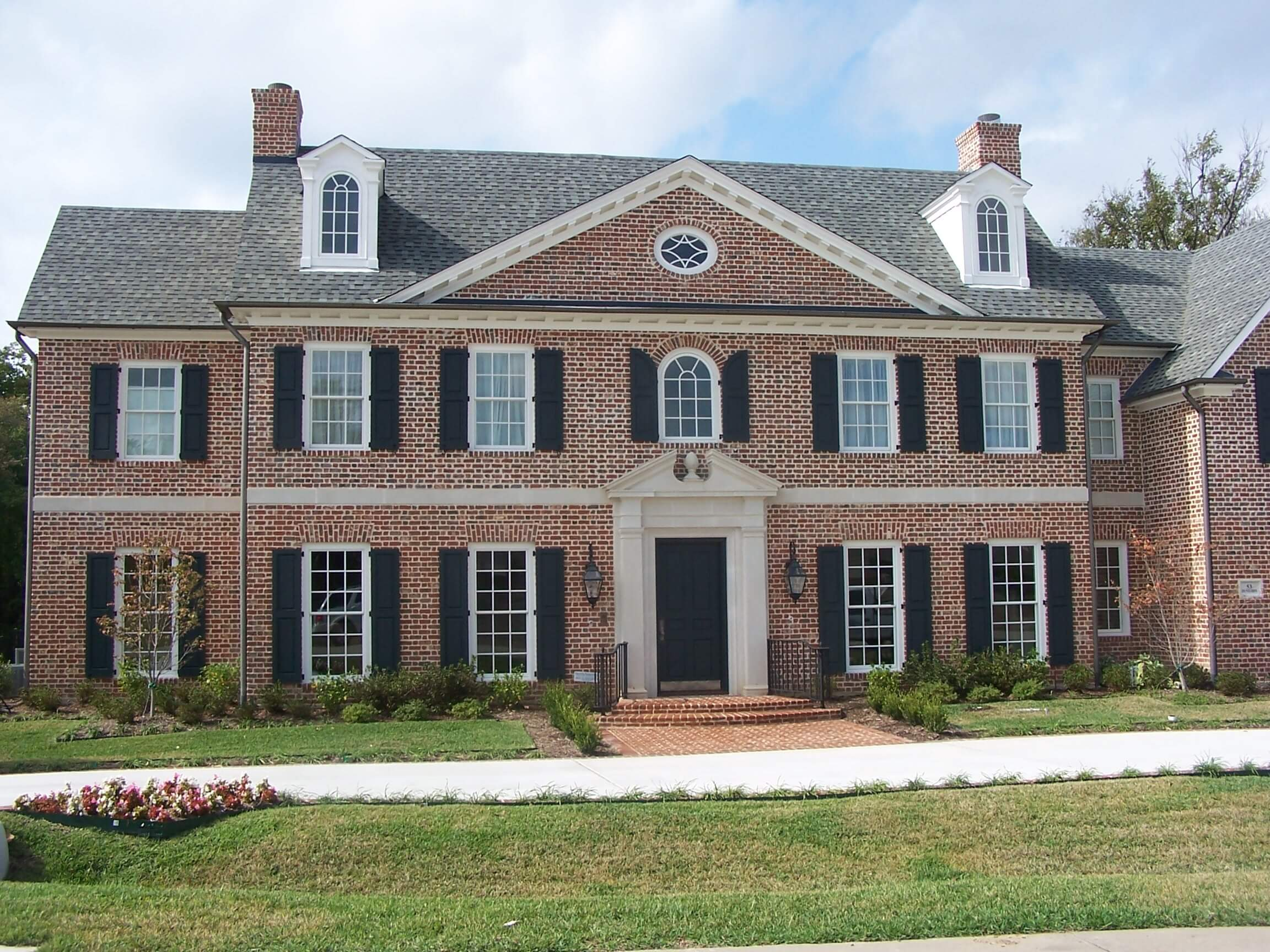 Top 12 colonial style home designs at live enhanced live for Colonial luxury house plans