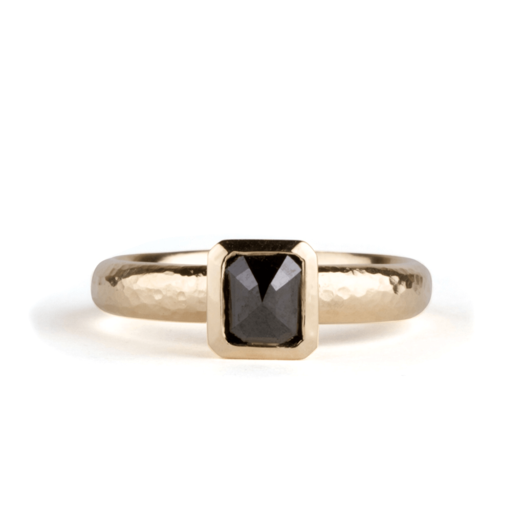 Alhambra Solitaire Black Diamond Ring