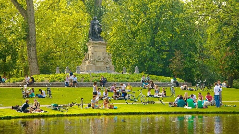Enjoy Picnic in The Vondelpark
