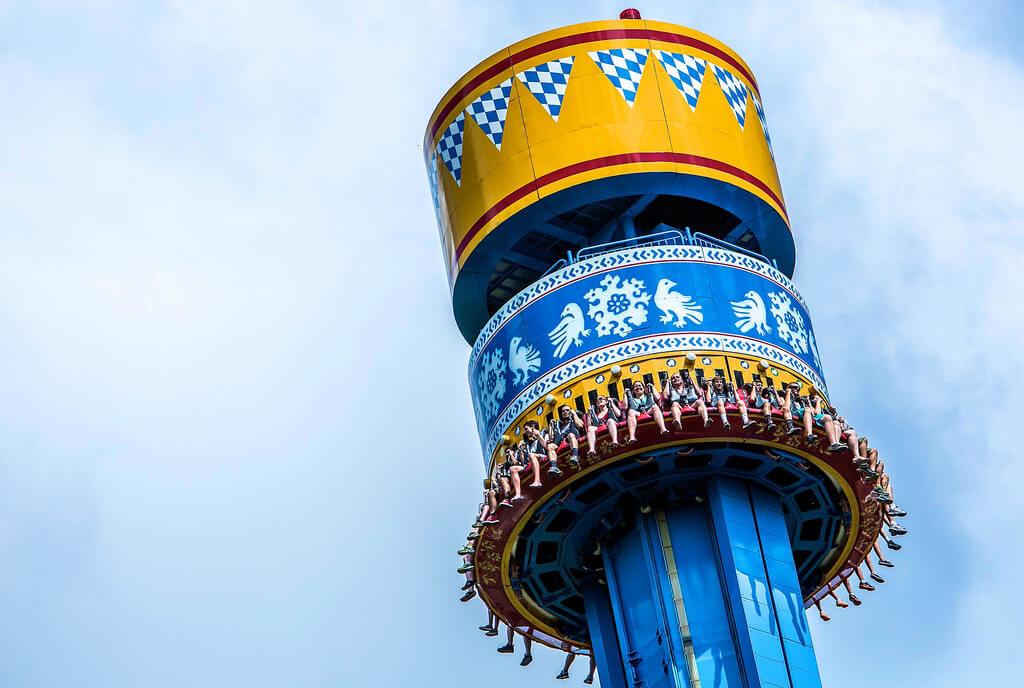 Mäch Tower