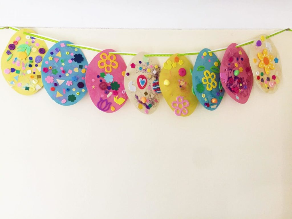 DIY Painted easter crafts Garland