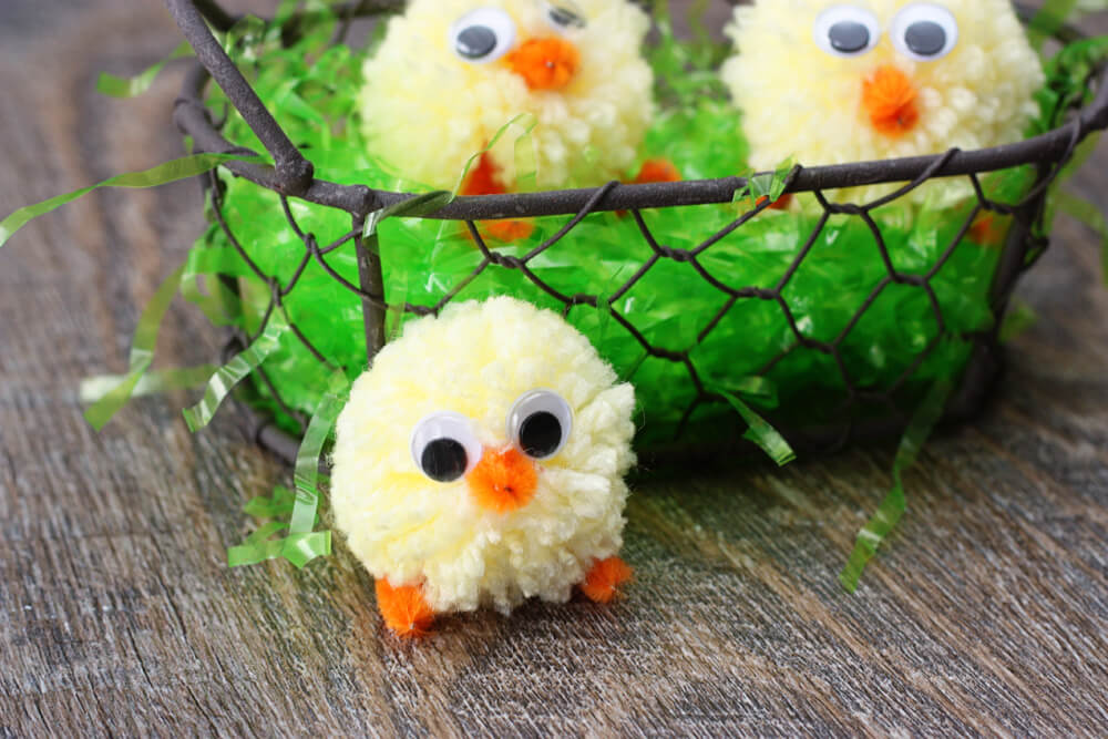 Pom-Pom easter crafts Chicks