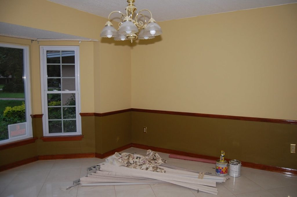 Molding wall paint