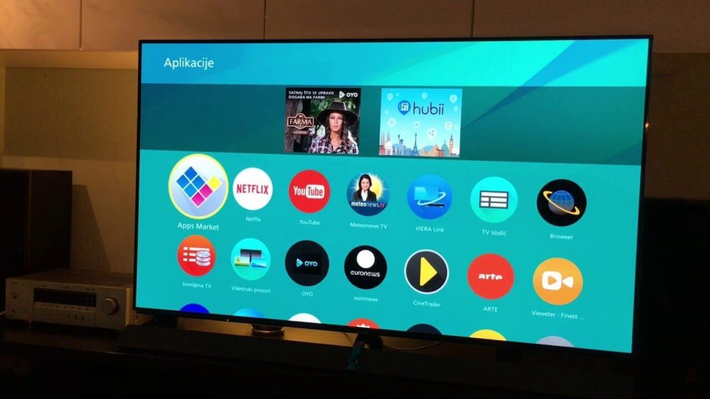 Panasonic TX-65EZ952B-Smart TVs
