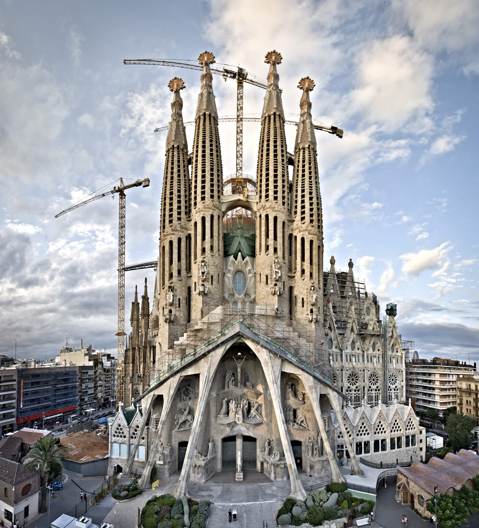 15 Gaudi Buildings In Barcelona That Will Amaze You