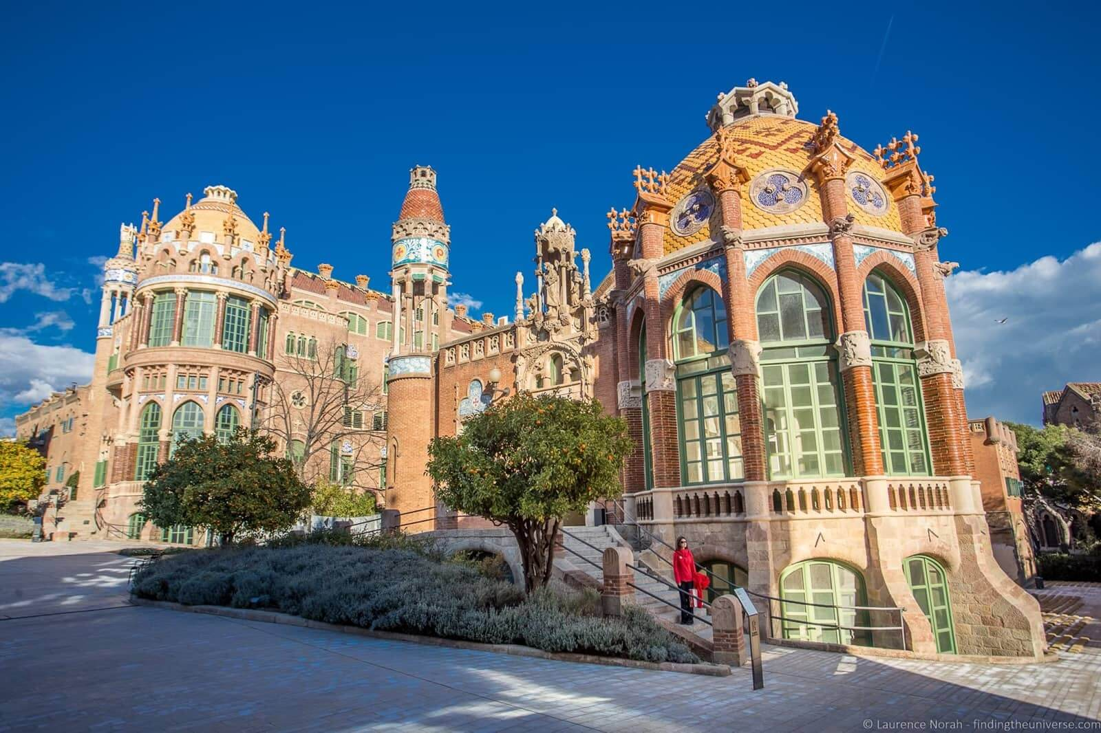 gaudi buildings barcelona
