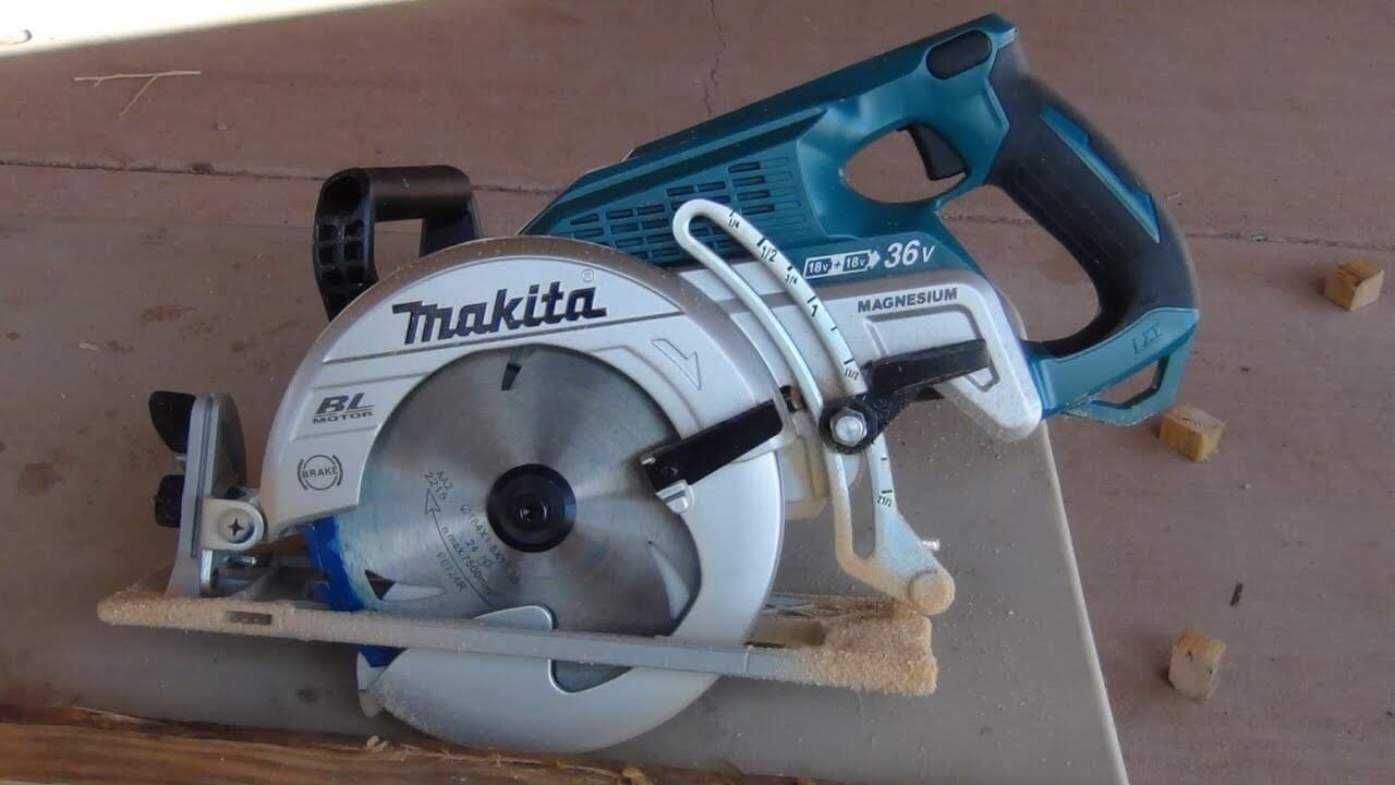 Makita XSR01PT saw