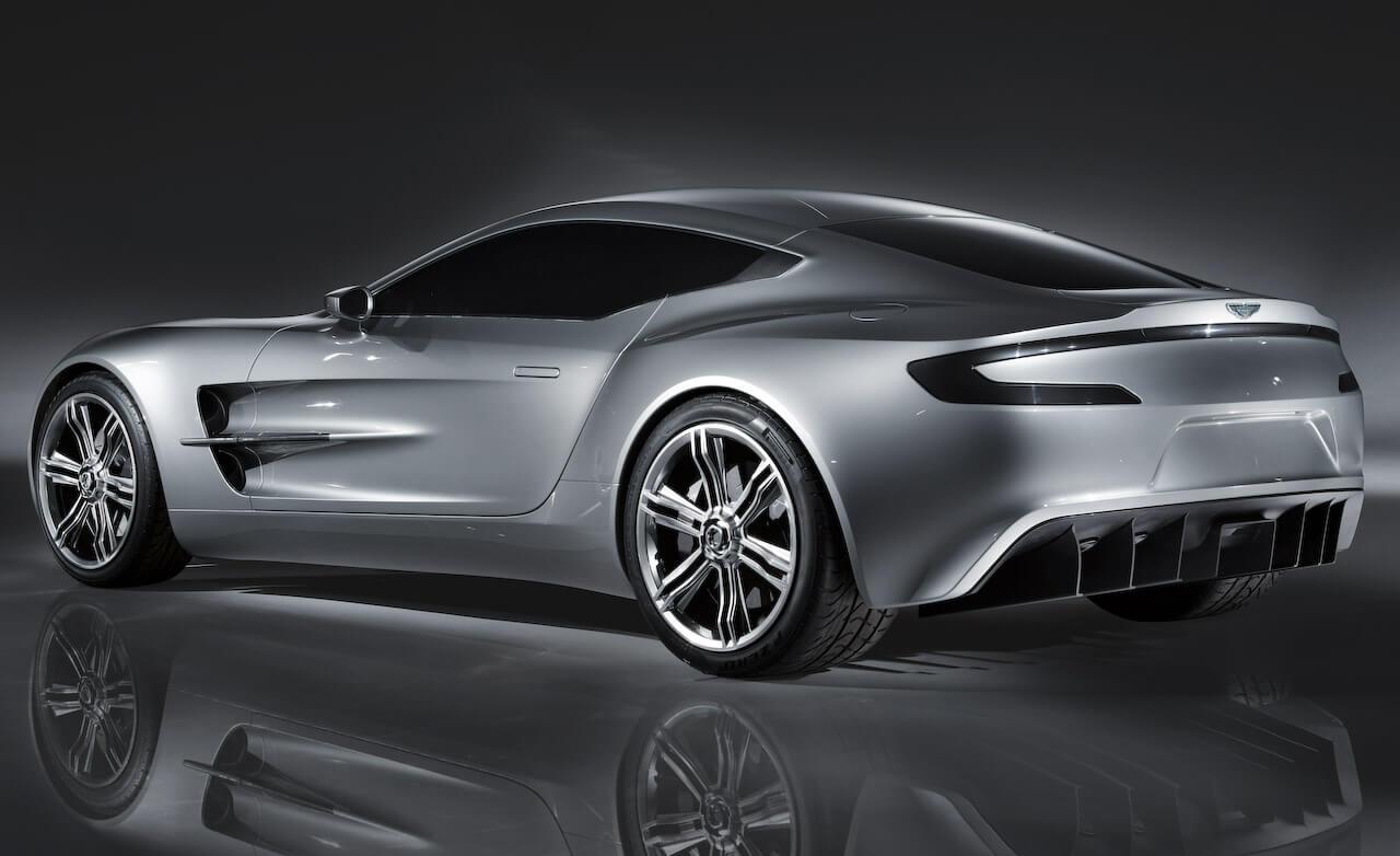 Aston Martin One-77 (220 mph)