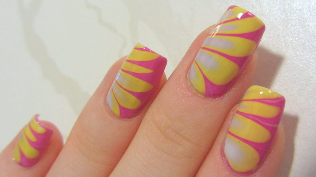 Diagon-Alley Pink & Yellow Nail Art