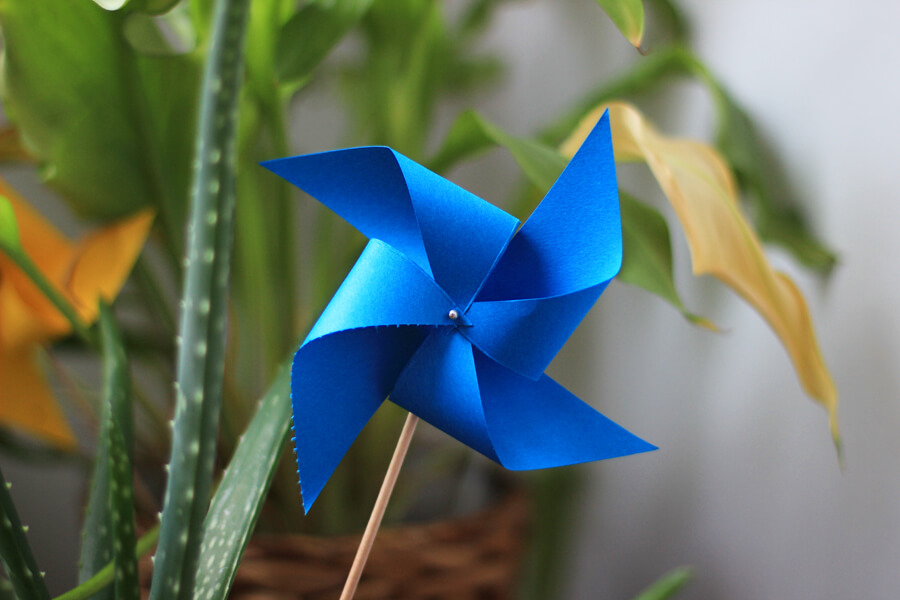 Dancing Paper Pinwheel diy paper crafts