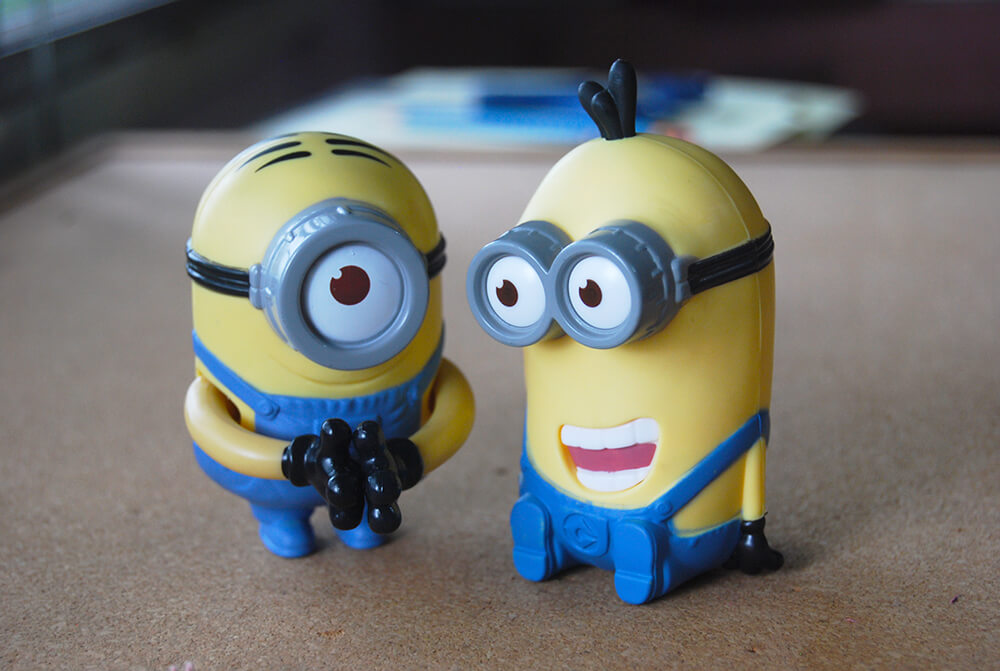 Paper Minions diy paper crafts