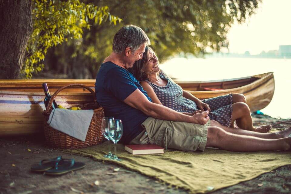 Plan a date night with your spouse-travel bucket list