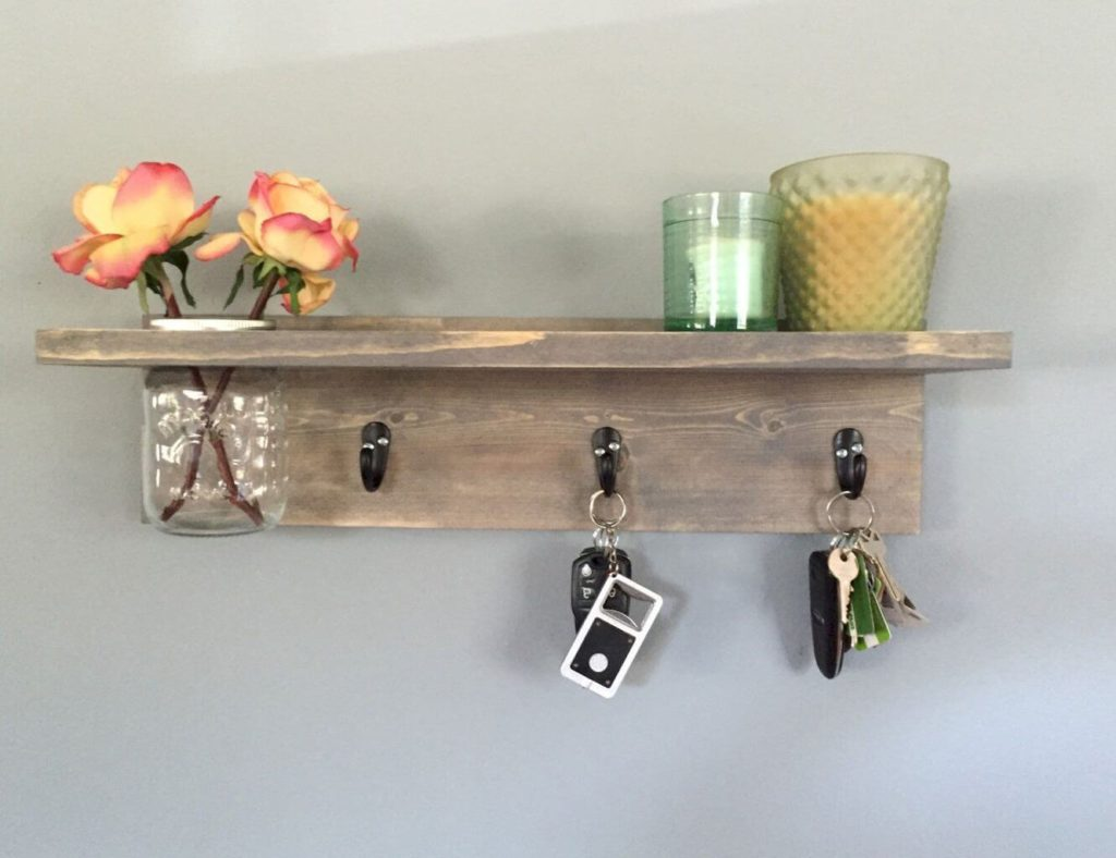 Rustic DIY diy Key Holder