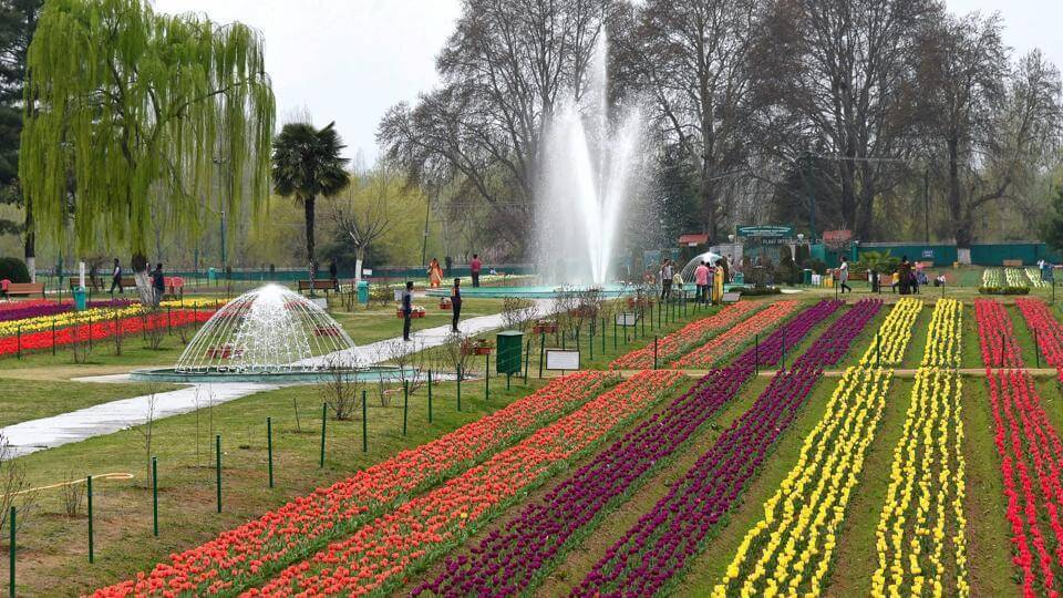 Srinagar - tourist places in india