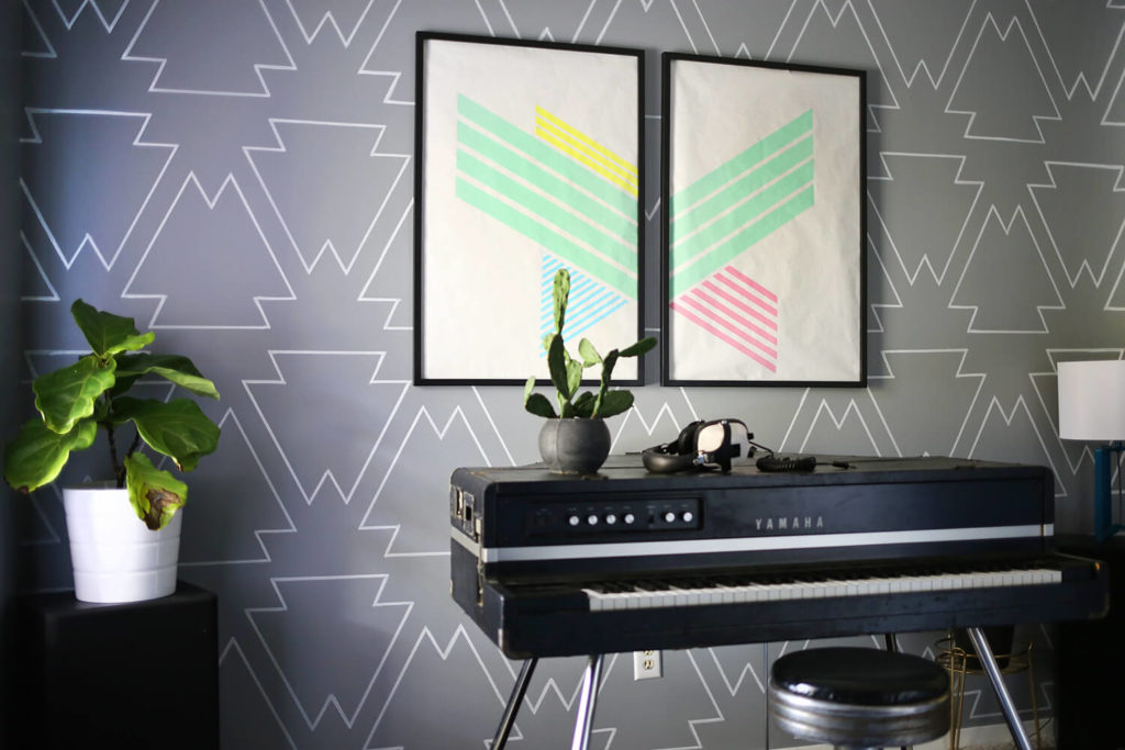 Statement wall paint Pens