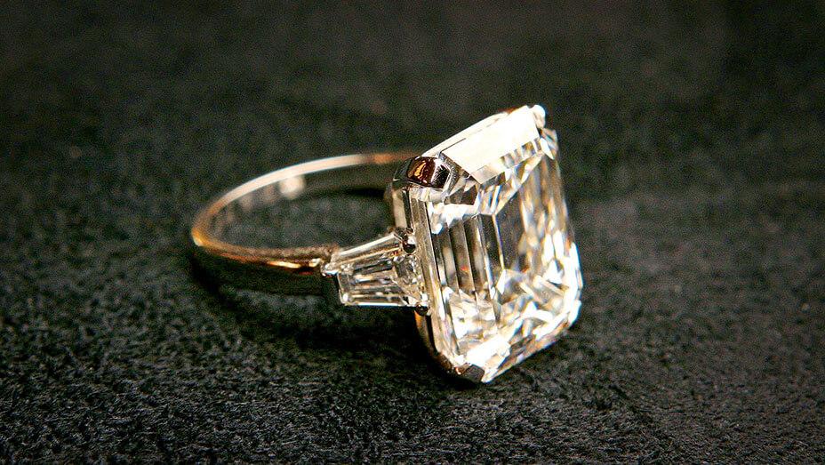 melania trump engagement ring