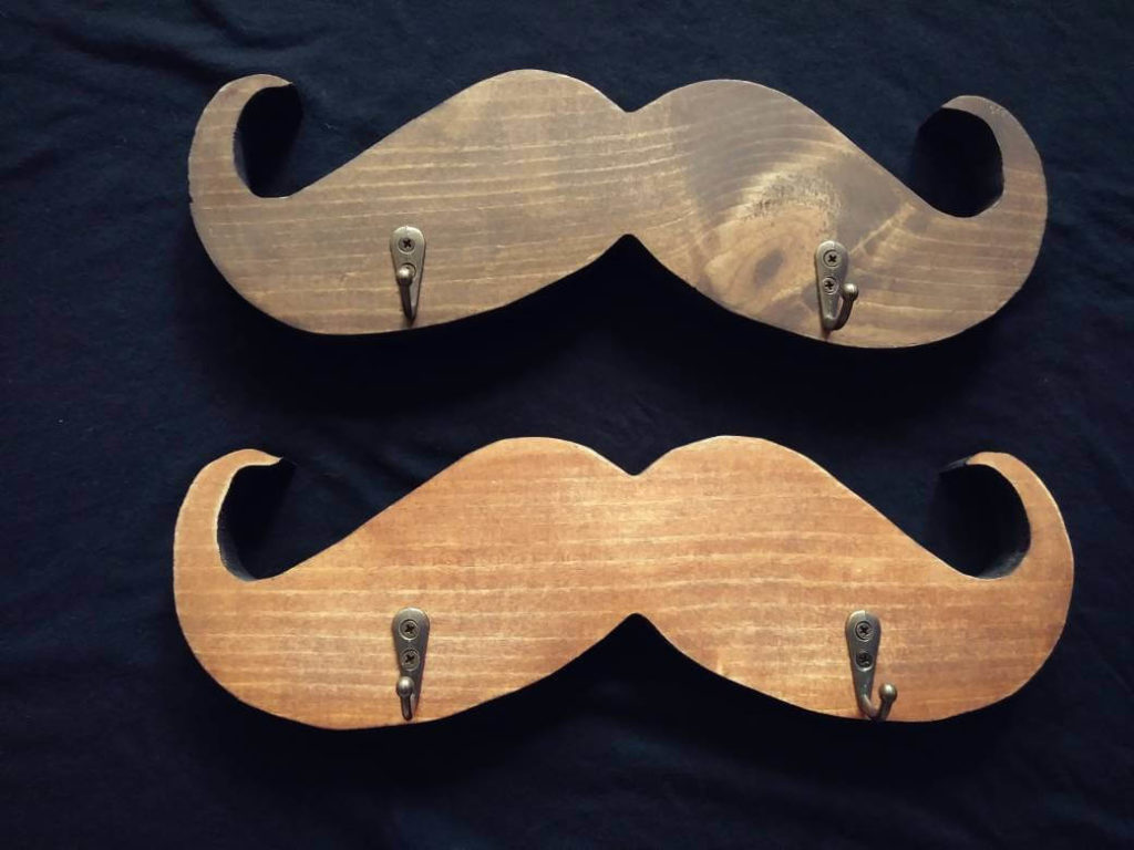 mustaches diy Key Holder