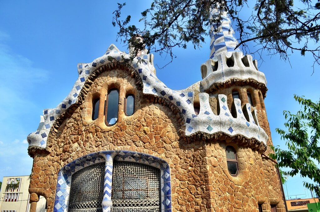 gaudi buildings barcelona
