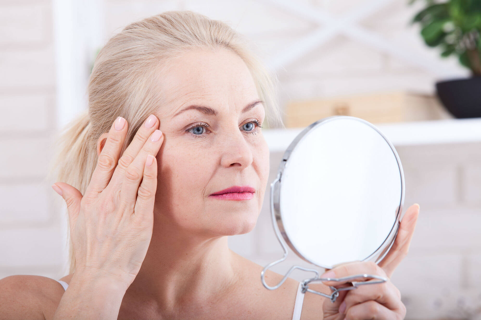 Sagging skin - Early Signs of Aging
