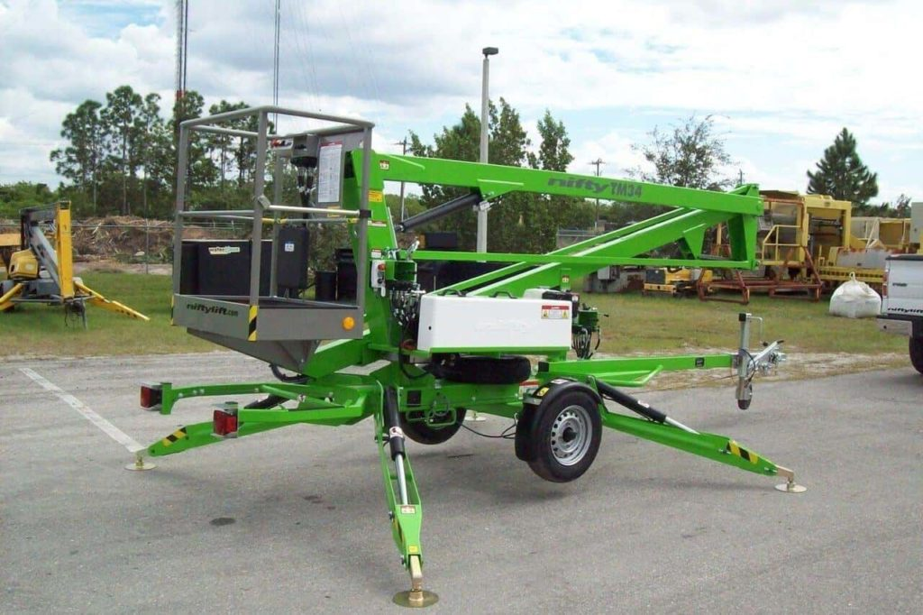 Tips for cherry picker-Use Hydraulic Outriggers