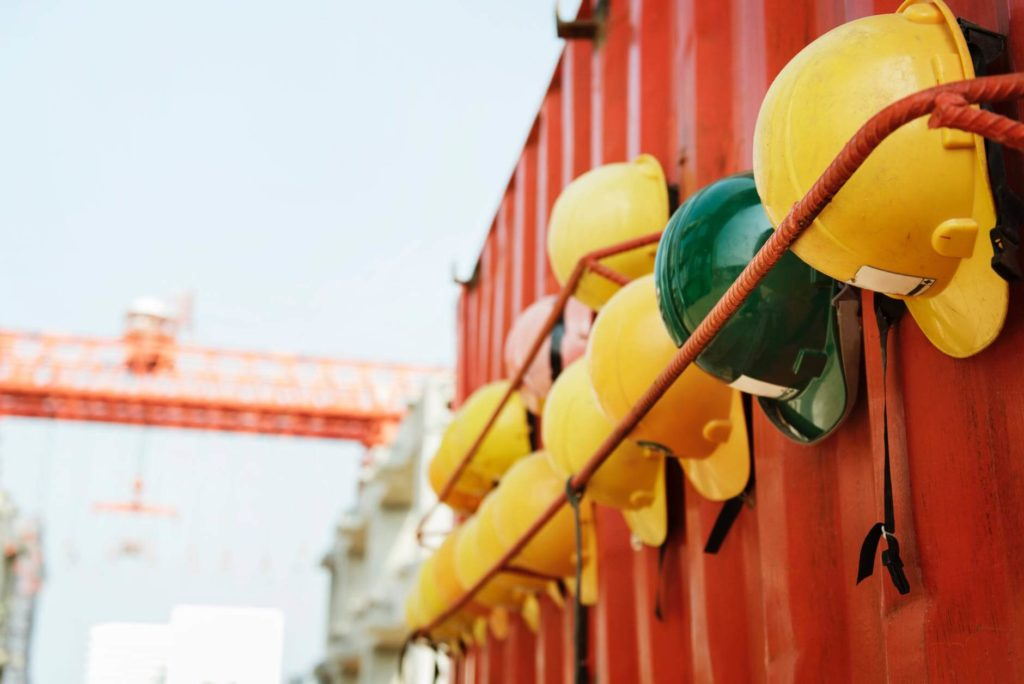 Tips for cherry picker-Use Safety Devices