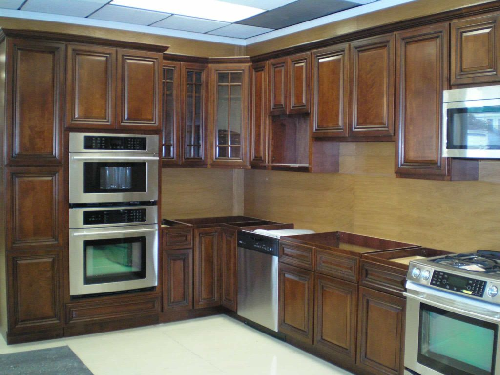 types of kitchen finishes - Solid Wood