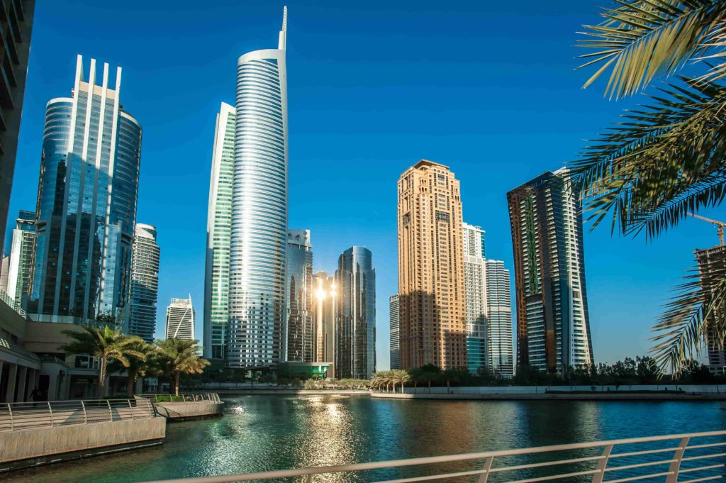 best apartment deals in Dubai - Jumeirah Lakes Towers