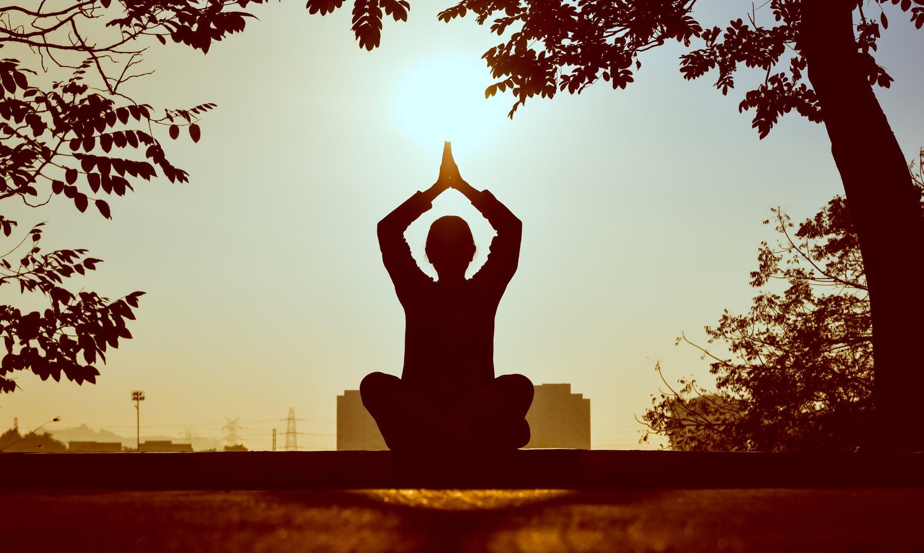 Advantages of yoga classes 1