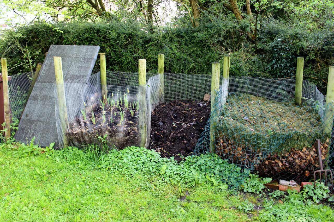 DIY Compost Bin 4