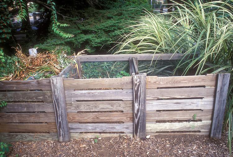 DIY Compost Bin 8