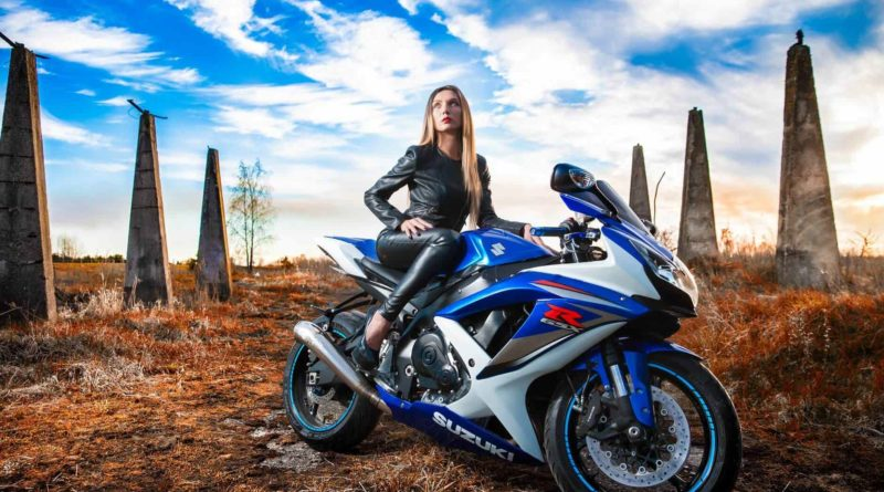 Female Bikers Featurea Image