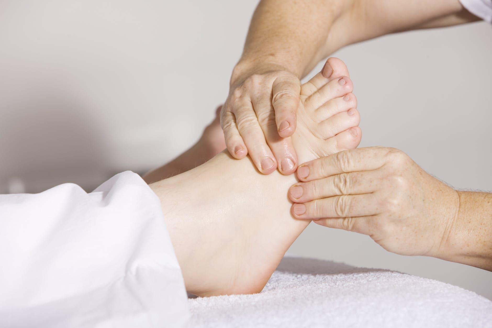 swelling feet 2