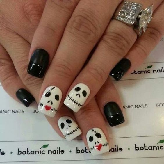Spooky Halloween Nail Art Designs