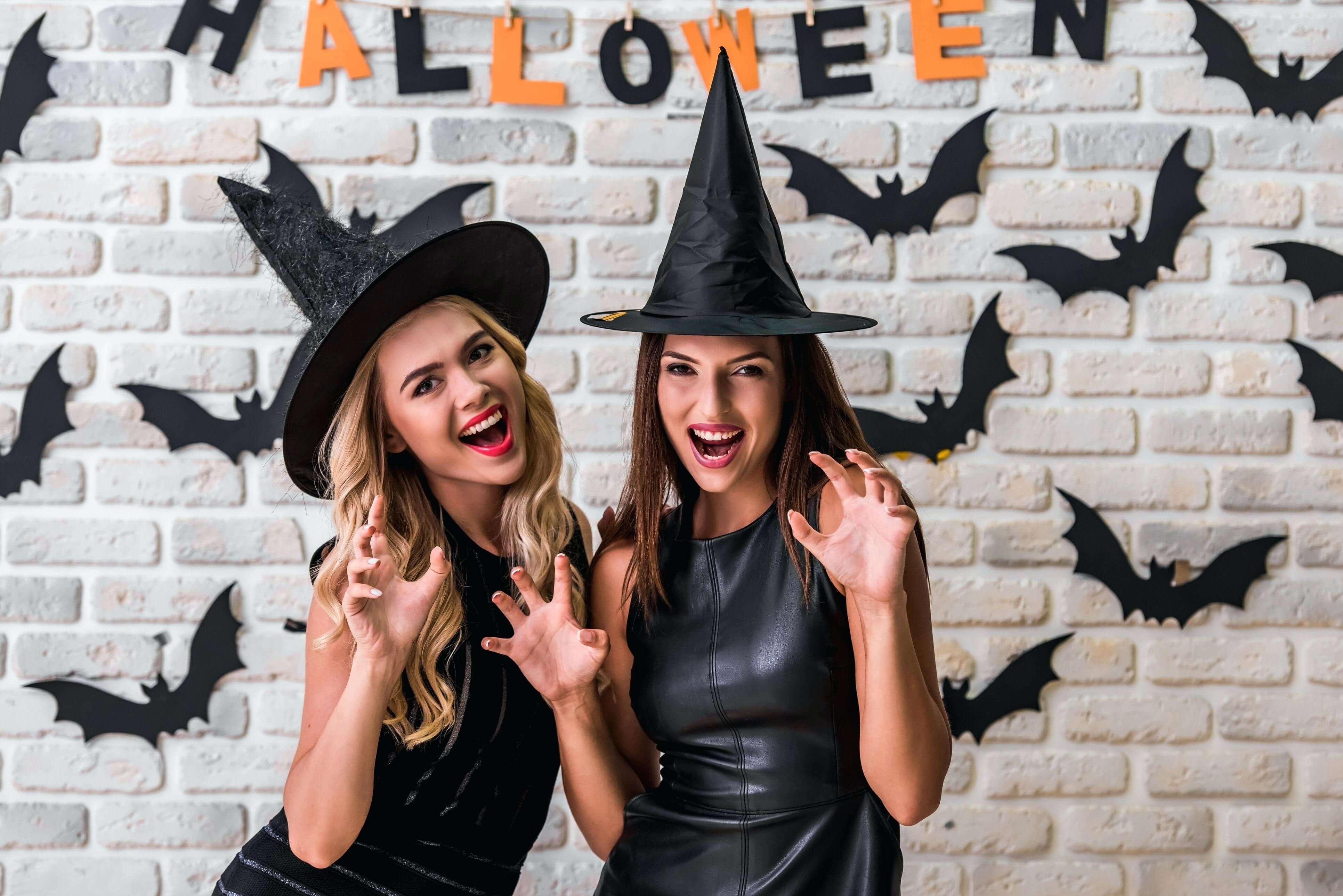 Halloween couple costumes