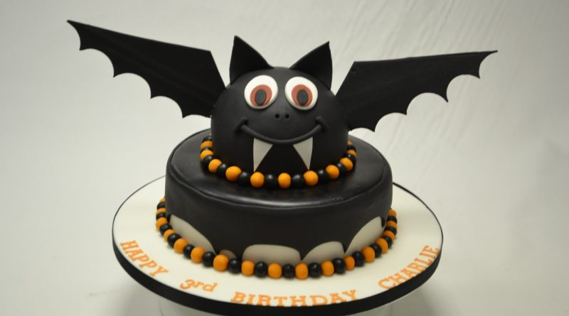 Halloween Cake Ideas 2020 30+ Halloween Cake Ideas   Halloween Cakes Images in 2020   Live
