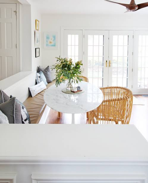 Breakfast Nook 22