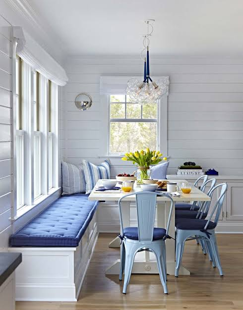 Breakfast Nook 23