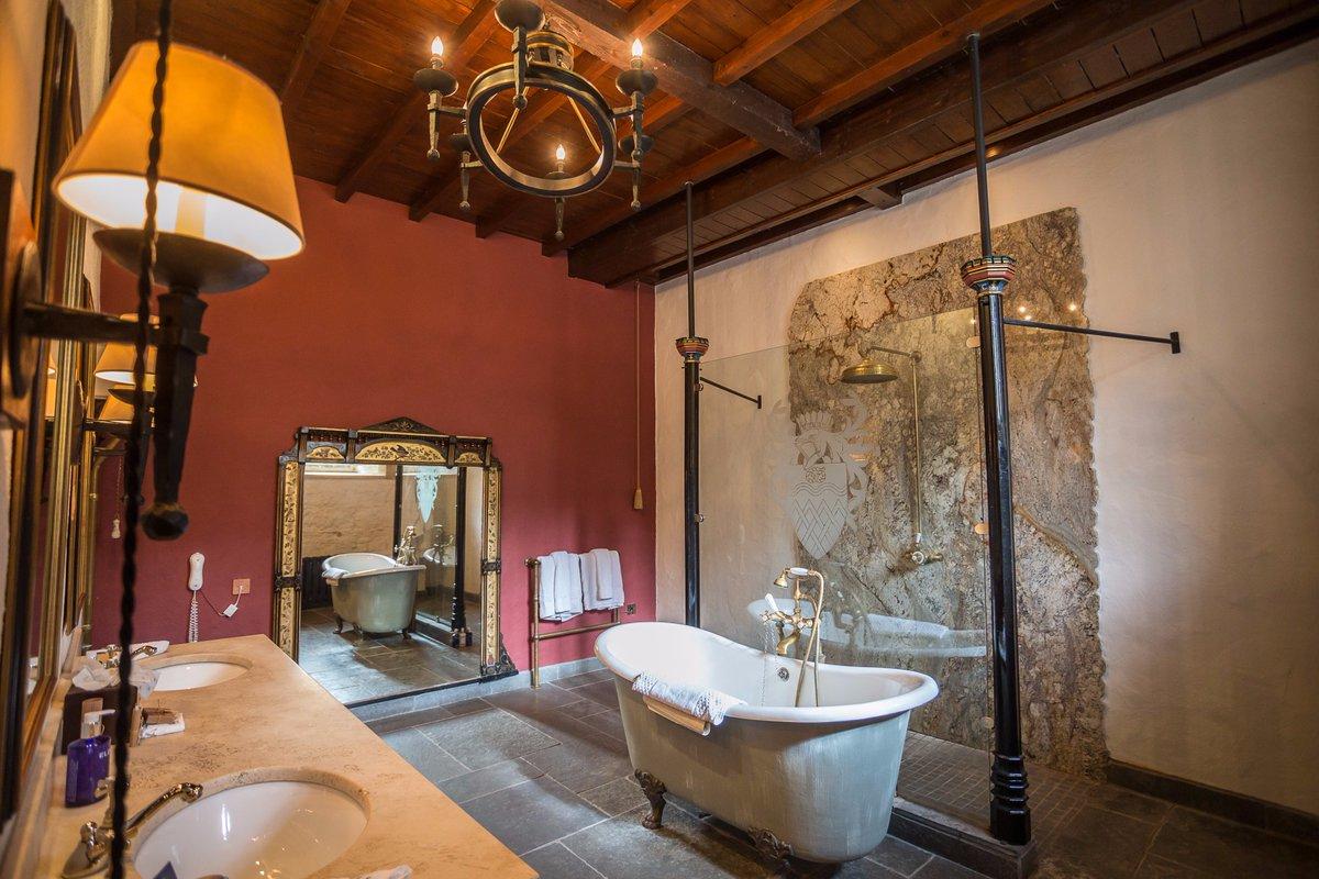 Luxurious Shower 23