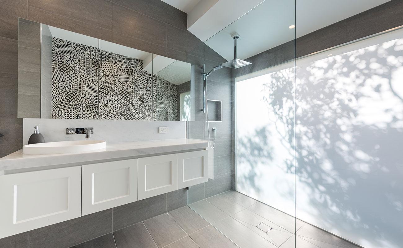 Luxurious Shower 5