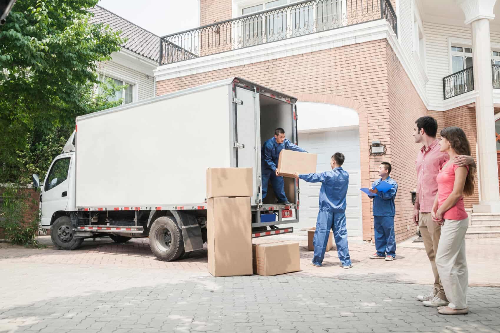 Parking Moving van-min