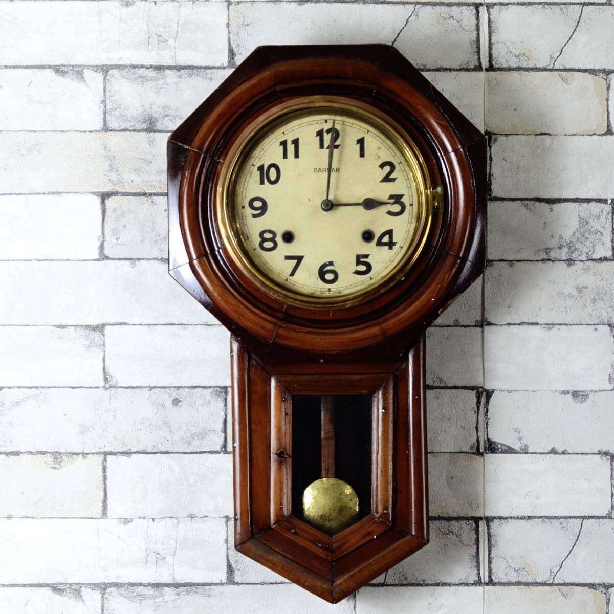 Wall clock 18