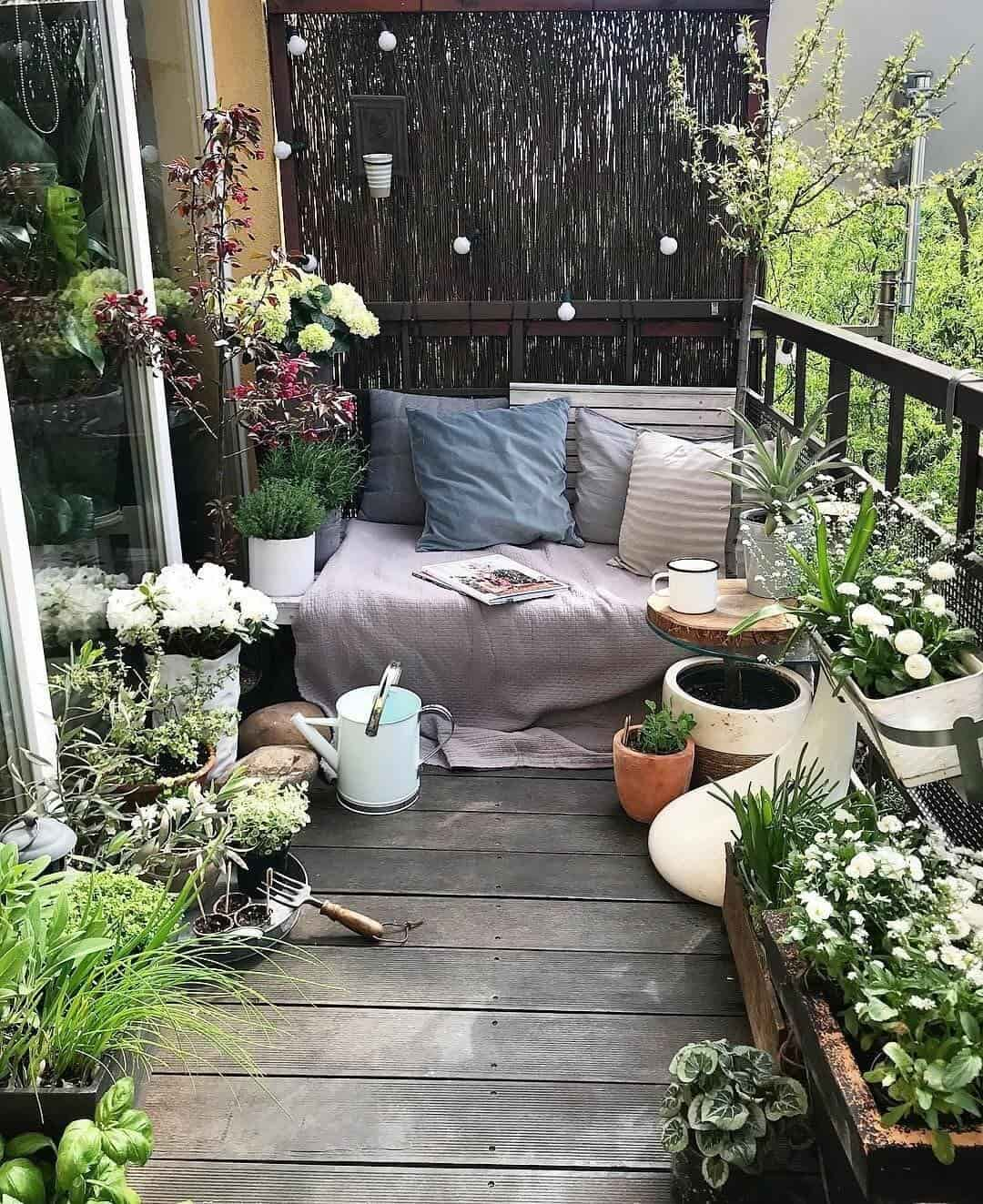 small balcony designs 3