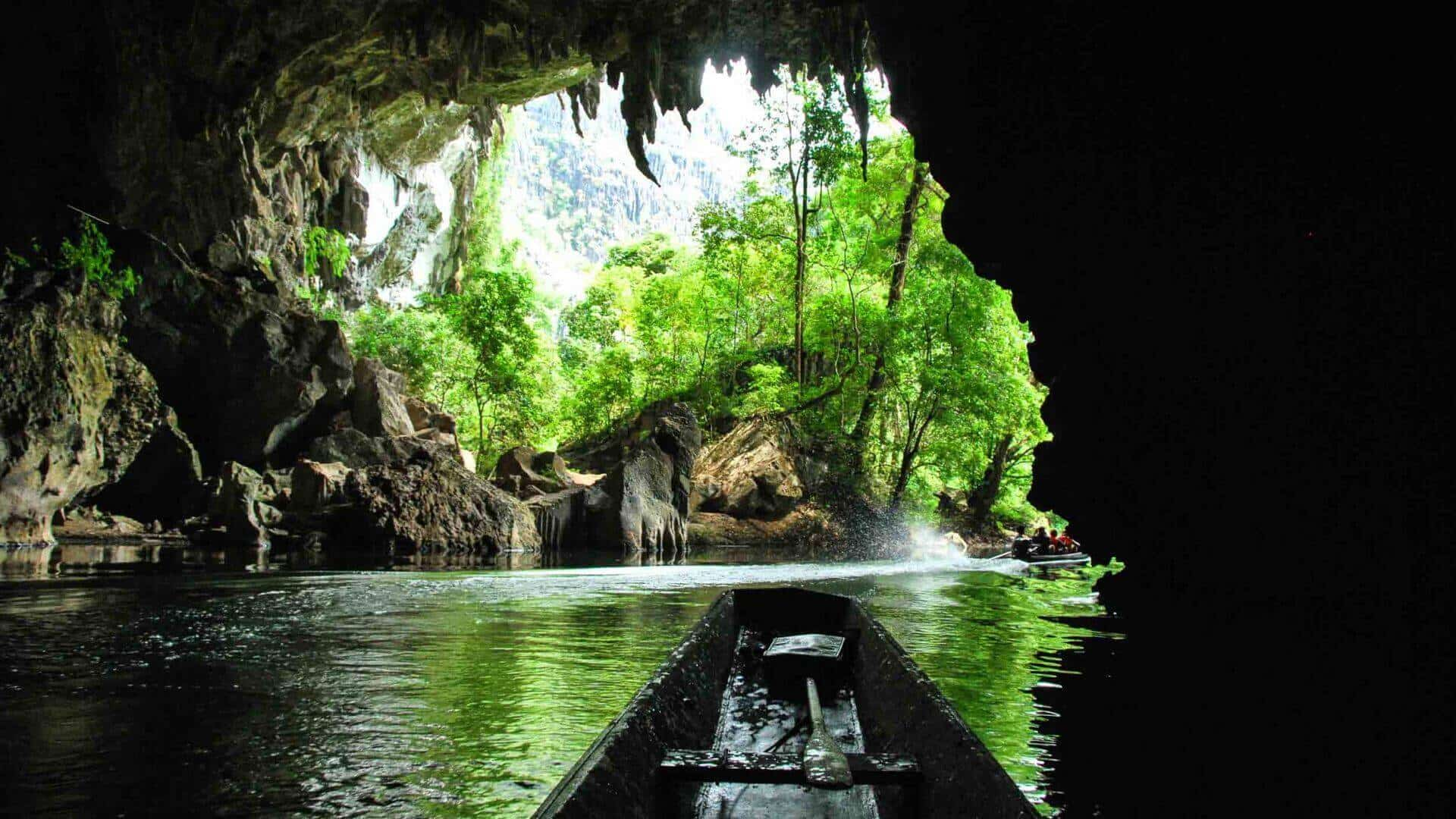 Boating in a 7km limestone cave