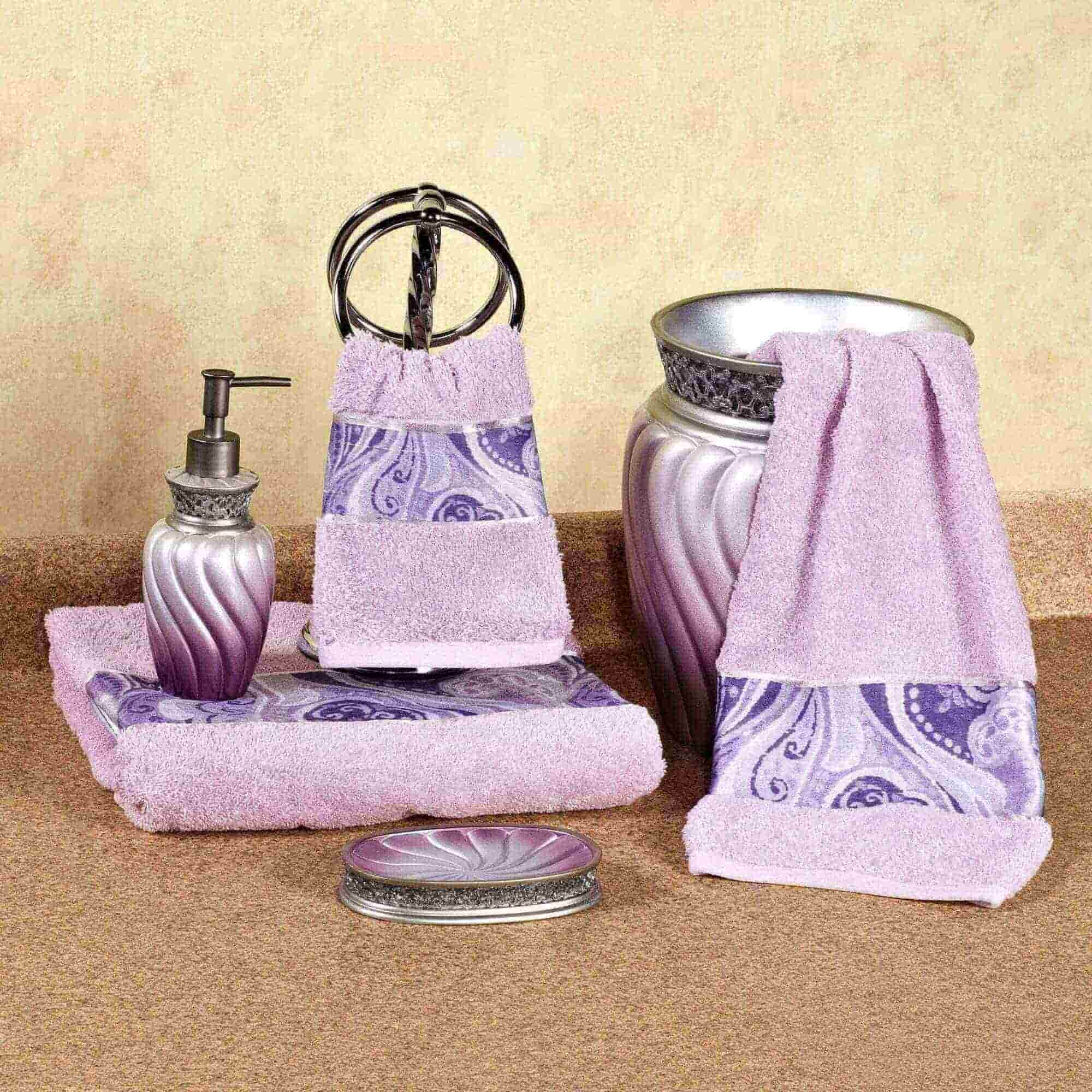Bathroom Towel Decoration Ideas