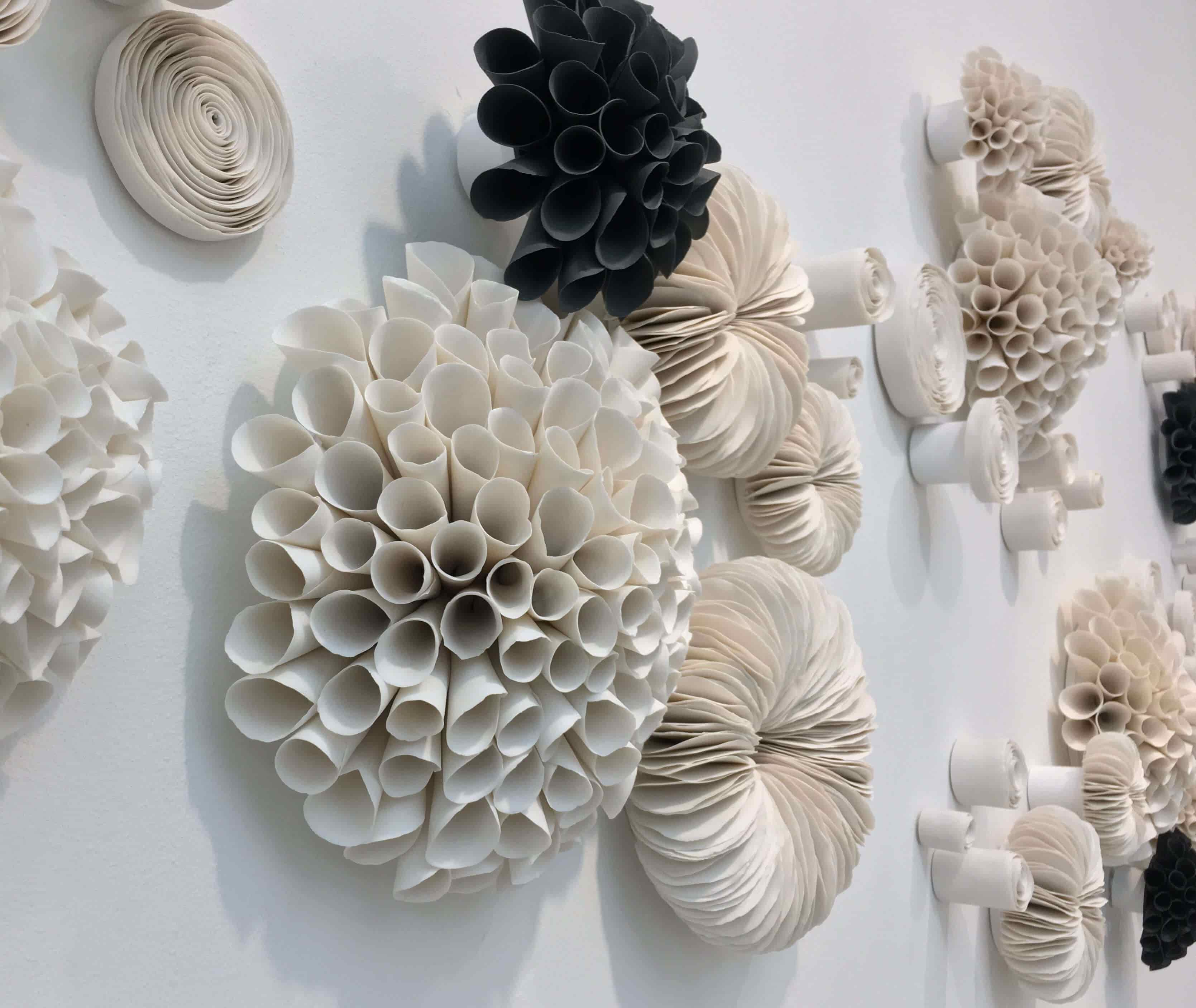 Delicate ceramic art by Valeria Nascimento