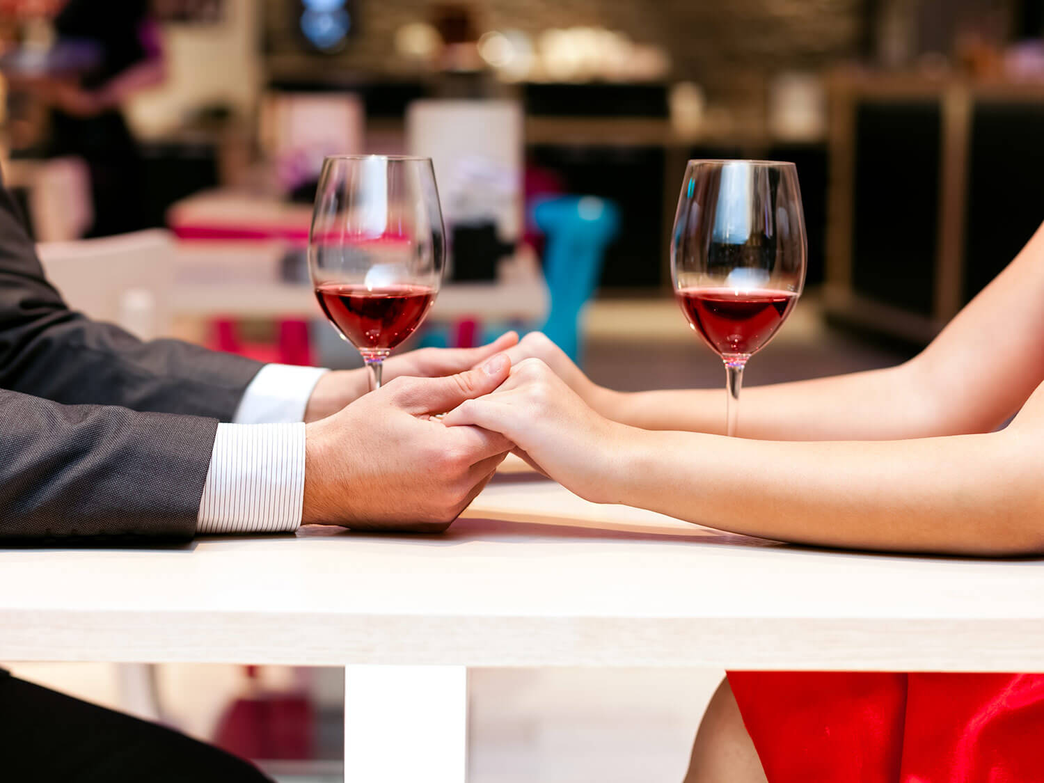 Get to know each other better over a bottle of wine