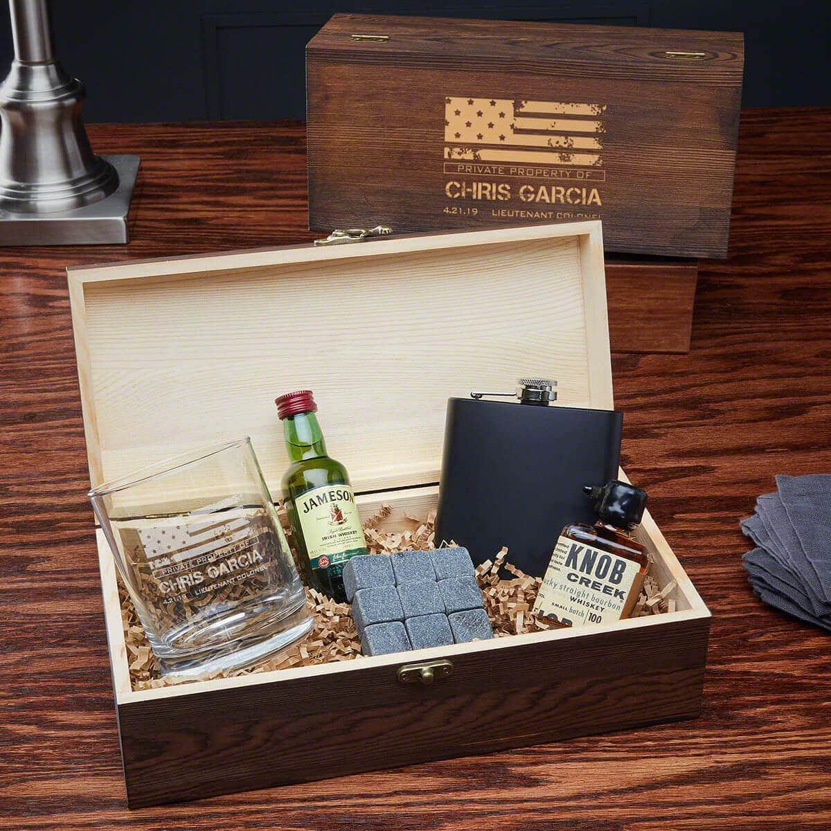 Spirits Bright Whiskey Set Gift Box