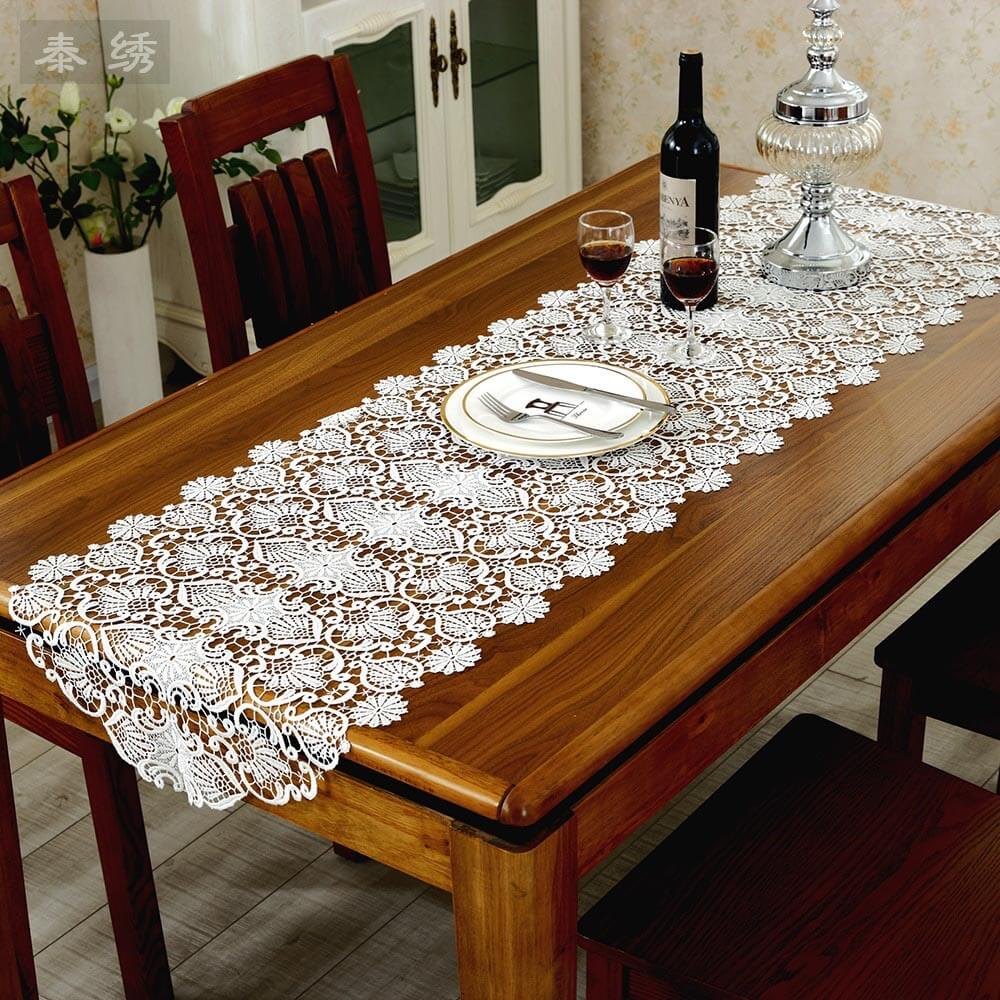 Stunning Table Cloth Designs Ideas to Decor Your Dining Table