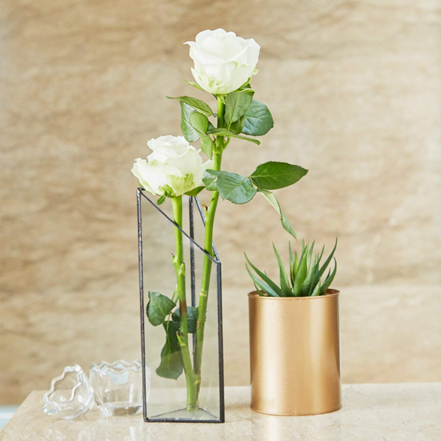 Most Beautiful Flower Vases Design To Decorate Your Table