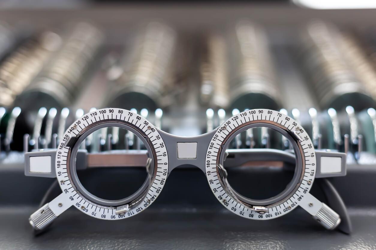 refraction_retinoscopy_frame